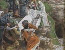js57_The body of Jesus carried to the anointing stone